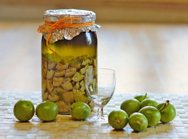 Как принимать настойку из перепонок грецкого ореха