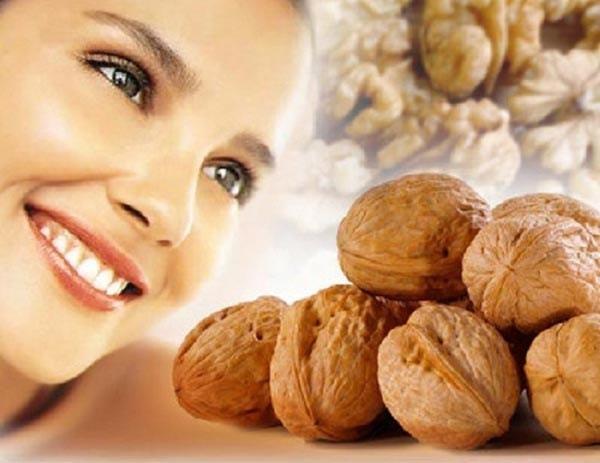 Чем полезны грецкие орехи для женщин и мужчин